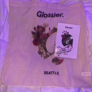 Glossier Seattle Pack